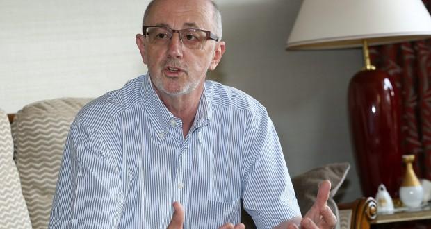 «Les communes sont libres et autonomes», estime Serge Eberhard. Il qualifie le projet de loi 6824, qui aurait pour effet selon lui la disparition d'une bonne partie des fabriques d'église, d'«aberrant». (photo Didier Sylvestre)