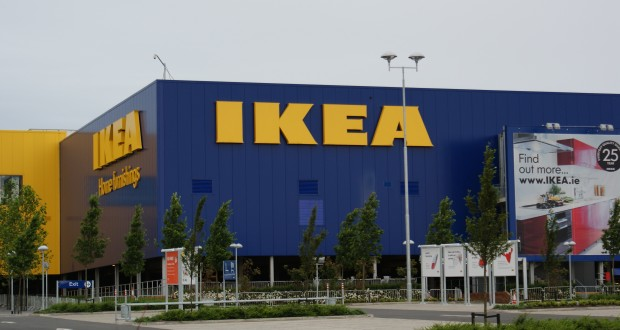 su de deux personnes mortes poignard es dans un magasin ikea