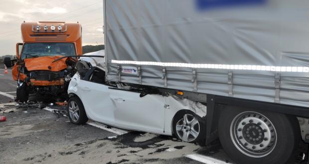 grave accident sur l 39 autoroute a13. Black Bedroom Furniture Sets. Home Design Ideas