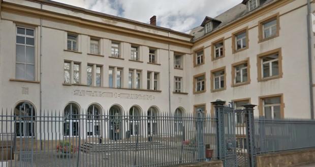 Thionville une enseignante porte plainte contre un - Comment porter plainte contre une mairie ...