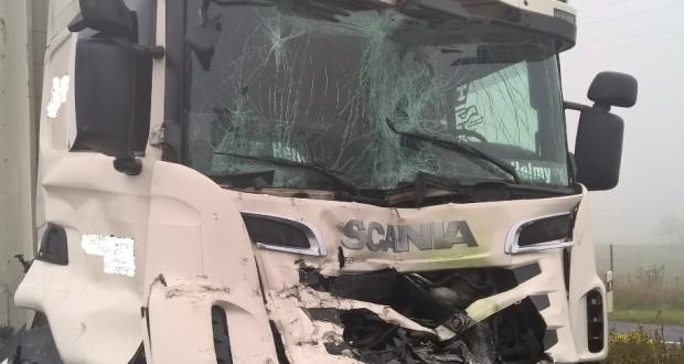 collision entre deux camions sur l 39 a13. Black Bedroom Furniture Sets. Home Design Ideas