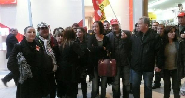 Mercredi 18 novembre, le syndicat CGT d'Auchan Mont-Saint-Martin avait appelé les employés du rayon optique à débrayer pour soutenir l'une de leur collègue. (photo RL)
