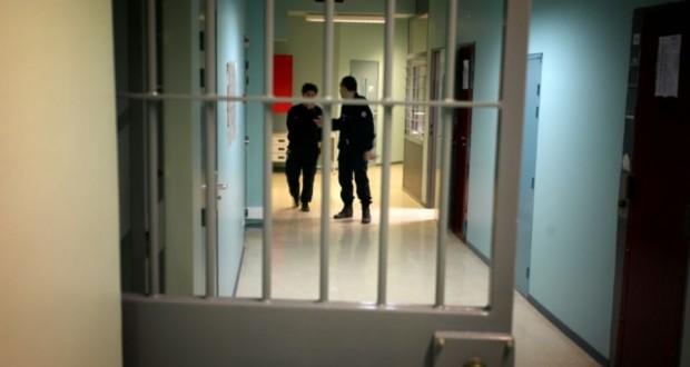 tentative d 39 assassinat sur deux surveillantes de la prison de meaux. Black Bedroom Furniture Sets. Home Design Ideas