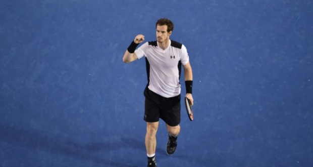 Andy Murray vainqueur de Milos Raonic en demi-finale de l'Open d'Australie, le 29 janvier 2016 à Melbourne. (Photo : AFP)