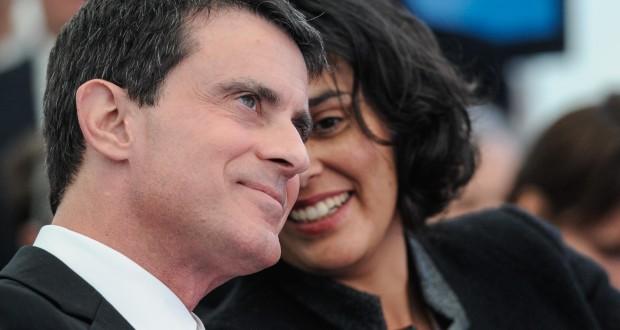 Le Premier ministre français Manuel Valls en discussion avec la ministre du Travail,  Myriam El Khomri. (photo AFP)