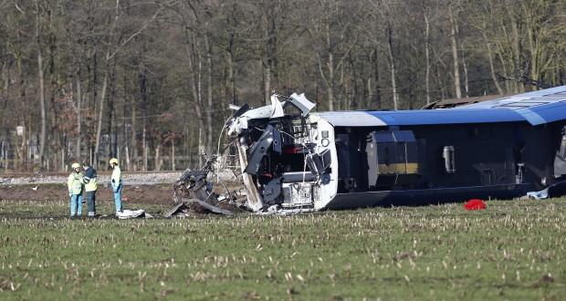 La collision a eu lieu vers 8h45 à proximité de la ville de Dalfsen, à environ 40 kilomètres de la frontière allemande.(photo AFP)
