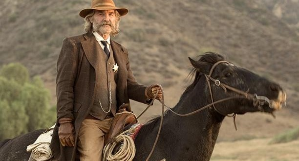 Ce western à tendance horrifique retrace le parcours d'un shérif (Kurt Russell) qui, en compagnie de trois cowboys, arpente les paysages du Nouveau-Mexique, en 1850, pour combattre une horde d'indiens cannibales. (Photo : DR)