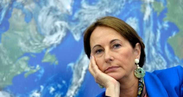 Selon les déclarations de la ministre française, la durée de vie des centrales nucléaires françaises passerait de 40 à 50 ans. (photo AFP)