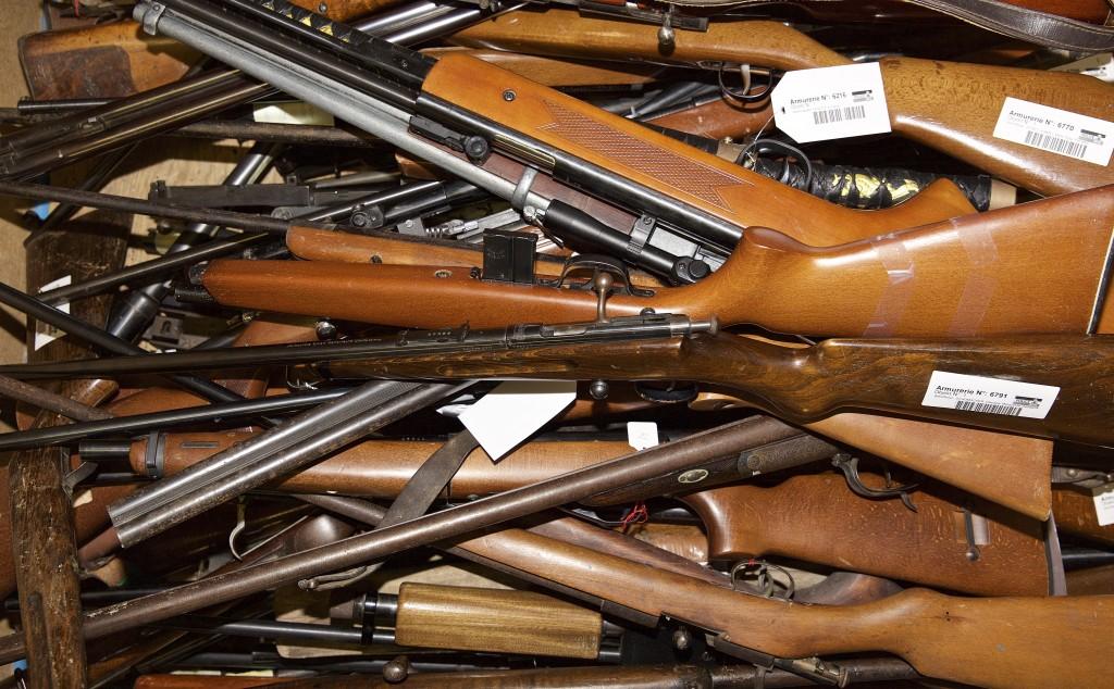 Tous types de fusils à recycler, à l'armurerie de la police grand-ducale. (photo JC Ernst)