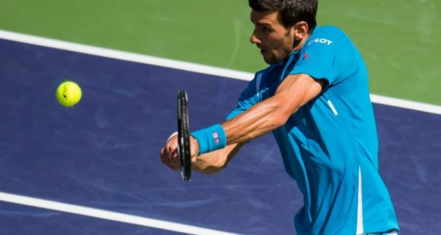 Novak Djokovic face à Rafael Nadal en demi-finales du Masters 1000 d'Indian Wells, le 19 mars 2016. (Photo : AFP)