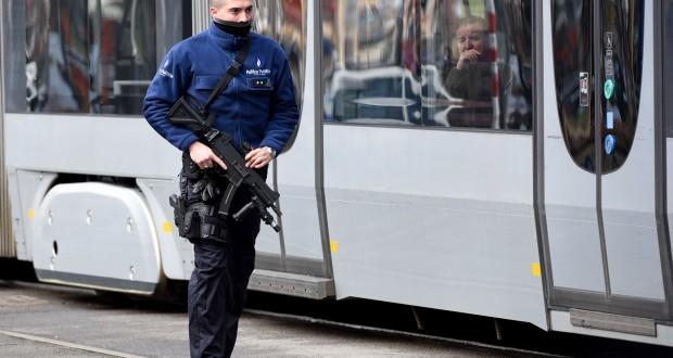 Le suspect avait été blessé à la jambe lors de son interpellation près d'un arrêt de tramway du centre de la capitale belge. (Photo AFP)
