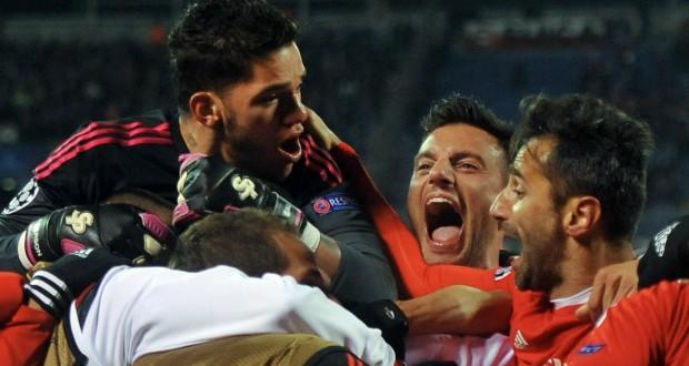 La joie des joueurs du Benfica à la fin du match retour contre le Zenit, ce mercredi. (photo AFP)