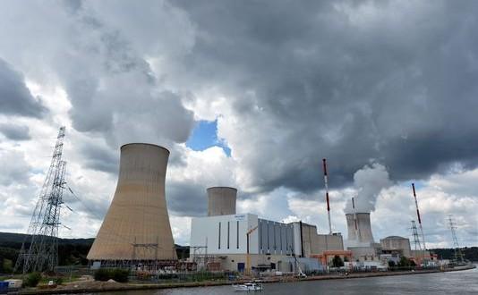 Le réacteur de Tihange 2 peut redémarrer, a tranché la justice belge. (photo AFP)