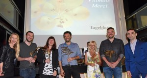 """Les lauréats des """"palmes d'or"""" du Tageblatt : Nico Wildschutz (journaliste), Isabella Finzi (photographe), Dhiraj Sabharwal (rédacteur en chef adjoint), Danièle Fonck (rédactrice en chef), Julien Primout (art director). (Photo Alain Rischard)"""