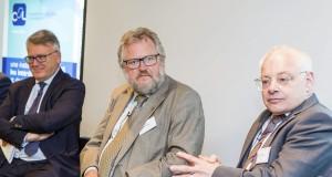 Le président de la Chambre des salariés, Jean-Claude Reding (au c.), ici aux côtés du ministre Nicolas Schmit (à g.) et du secrétaire d'Étatau ministère de l'Économie, du Travail, de l'Énergie et des Transports du Land de Sarre, Jürgen Barke. (Photo : Editpress)
