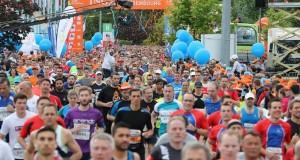 Le soleil a refait son apparition juste avant le départ de quoi donner le sourire au 14 000 coureurs inscrits pour ce grand évènement. (Photo : Editpress)