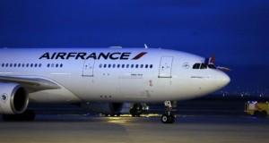 Deux hôtesses d'Air France, ont été mises en examen, soupçonnées d'avoir participé à un trafic de drogue entre les Antilles et la métropole. (Photo : AFP)
