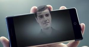"""Les smartphones holographiques devraient être distribués par les filiales d'Altice, dont SFR en France, Belgique et Luxembourg """"avant la fin 2017"""". (Photo : AFP)"""
