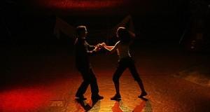 Le prévenu aurait abusé sexuellement de deux mineures prenant des cours de danse avec lui. (illustration AFP)