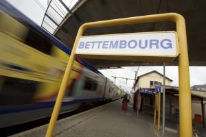À Bettembourg, les changements de quai sont une corvée pour les personnes à mobilité réduite. (photo Alain RIschard)