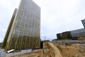 Au pied des deux tours dorées, les travaux de fondation sont déjà bien entamés. (Photo Isabella Finzi)