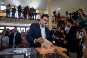 Mariano Rajoy, leader du PP, en train de voter ce dimanche 26 juin. (photo AFP)