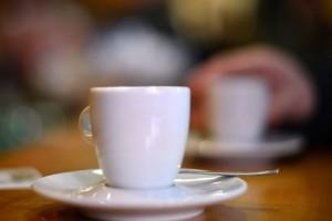 L'ancien patron de ce café à Niederkorn, poursuivi pour viols sur deux serveuses en 2010 et 2011, a été reconnu coupable par la 13e chambre criminelle. (illustration AFP)