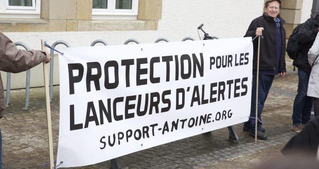 Quatre mois après la condamnation des deux lanceurs d'alerte de l'affaire LuxLeaks, l'Union européenne n'a toujours pas pris de mesure législative. (photo archives Editpress)