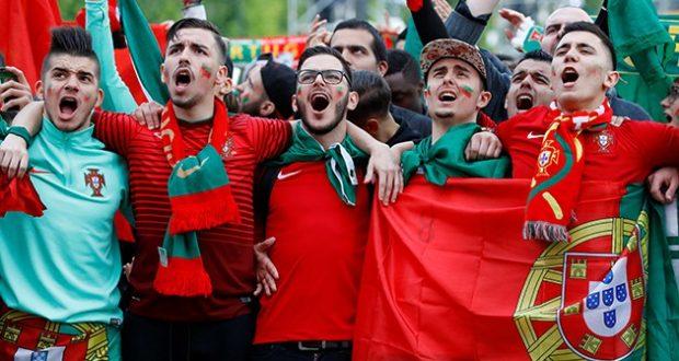 Euro 2016 Une Finale Pour Secher Les Larmes De 2004