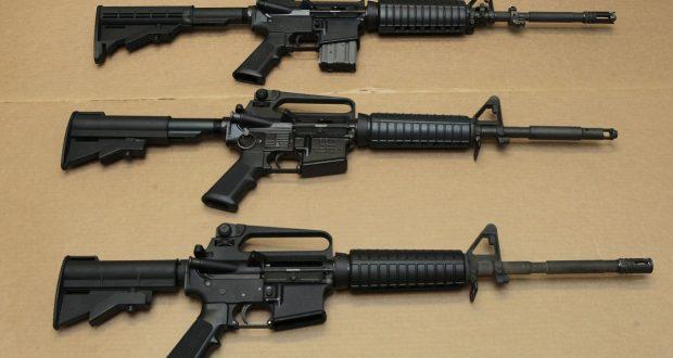 Parmi les armes saisies, des fusils d'assaut. (illustration AP)