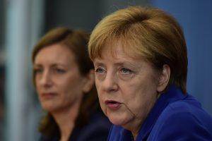 Angela Merkel a réitéré sa détermination à accueillir les demandeurs d'asile, jeudi à Berlin lors d'une conférence de presse convoquée au beau milieu de ses vacances. (photo AFP)