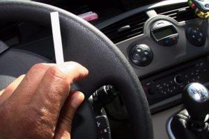 Au Luxembourg, il est désormais interdit de fumer au volant si un enfant de moins de 12 ans se trouve à bord de la voiture. (Illustration : RL)