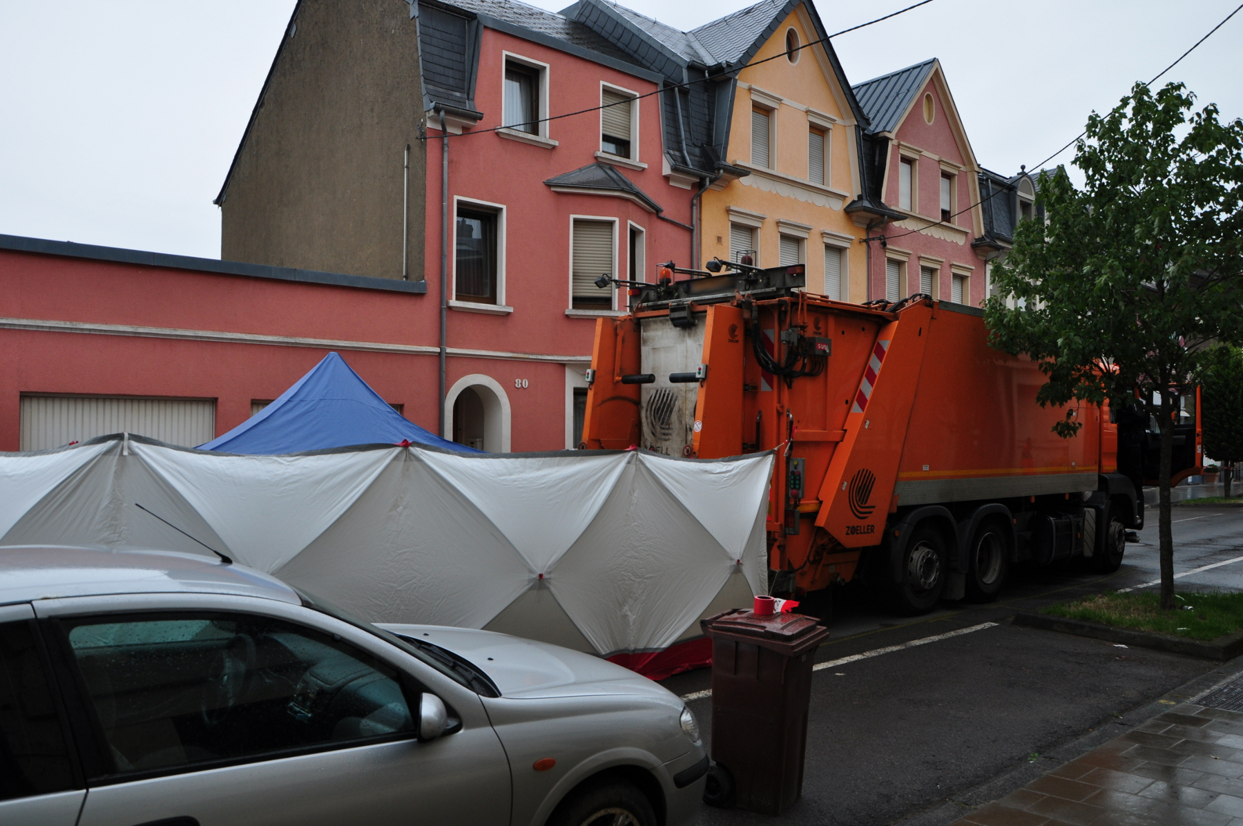 L'accident s'est produit ce jeudi matin vers 8 heures, avenue Oberkorn. (photo police grand-ducale)