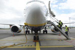 L'équipage a dû prolonger le vol de dix minutes, le temps de calmer les esprits. (illustration Editpress/Fabrizio Pizzolante)
