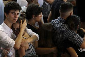 Le pays pleure à présent 290 victimes. (Photos AFP)