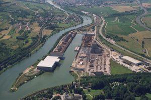 Sur cette photo d'archives, on voit que le port de Mertert est bien enclavé, entre l'Allemagne, les vignes et communes alentours. (Photos Port de Mertert)