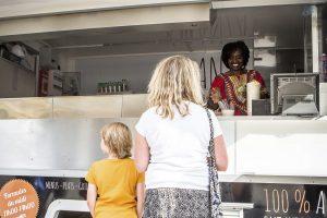 L'accueil de Rose Simba est toujours chaleureux et sa cuisine étonnante. (Photo Tania Feller)