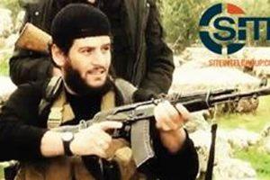 Une image d'al-Adnani tirée d'une vidéo de propagande. Le 29 juin 2014, c'est lui qui a annoncé dans un enregistrement audio «le rétablissement du califat» par l'EI et la désignation d'al-Baghdadi comme «calife». (photo AP)