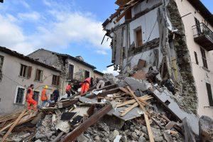 Le violent séisme survenu en Italie qui a déjà causé la mort de près de 40 personnes. (Photo AFP)