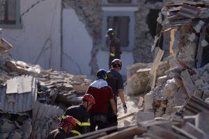 Les deux Luxembourgeois ont ressenti les secousses du puissant séisme qui a déjà fait au moins 120 morts, plusieurs centaines de blessés et détruit des villages, à quelque 70 km de leur lieu de vacances. (illustration AFP)