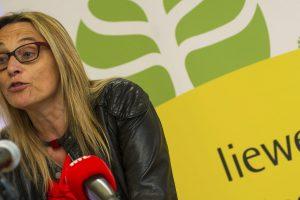 """""""Si l'opposition au TTIP n'est pas accompagnée par un non au CETA, cela revient à jeter de la poudre aux yeux des citoyens», martèle la porte-parole de «Stop TTIP» au Luxembourg, Blanche Weber."""
