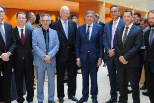 Autour du ministre François Bausch, les sept membres fondateurs de la House of Automobile. (Photo : Hervé Montaigu)