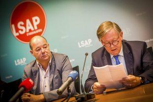 Le président du LSAP, Claude Haagen (à g.) était aux côtés du chef de fraction Alex Bodry pour préfacer la rentrée parlementaire. (Photo : Archives LQ)