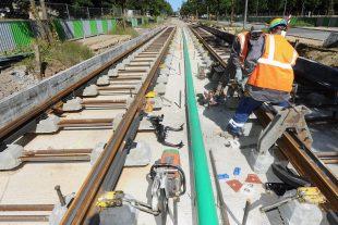 Les travaux du tramway sont actuellement en cours dans la capitale. Le premier tronçon devrait être opérationnel à la fin 2017 entre Luxexpo et le pont rouge. (photo Hervé Montaigu)