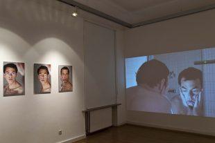 Le difficile moment du réveil, la peau, les obsessions... autant de sujets que traite Robert Frankle dans «Divieto di abbandono». (Photo DR)