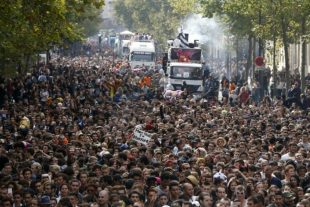 Techno Parade, le 19 septembre 2015 à Paris. (Photo : AFP)