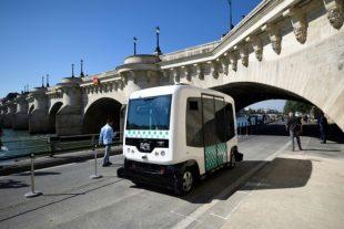 Démonstration de navette autonome, le 24 septembre 2016 à Paris. (Photo : AFP)