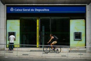 """Le parquet général du Portugal a annoncé samedi avoir ouvert une enquête sur la banque publique Caixa geral de depositos (CGD), soupçonnée selon la presse locale de """"mauvaise gestion"""". (Photo : AFP)"""