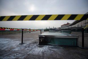 """La police évoque """"des motivations racistes"""", sur fond de violences xénophobes en hausse. (Photos AFP)"""
