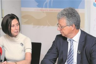 Alors que se profilent les élections communales de 2017, Lydia Mutsch et Emile Eicher aspirent à rééquilibrer la place des femmes dans les conseils communaux. (photo Hervé Montaigu)